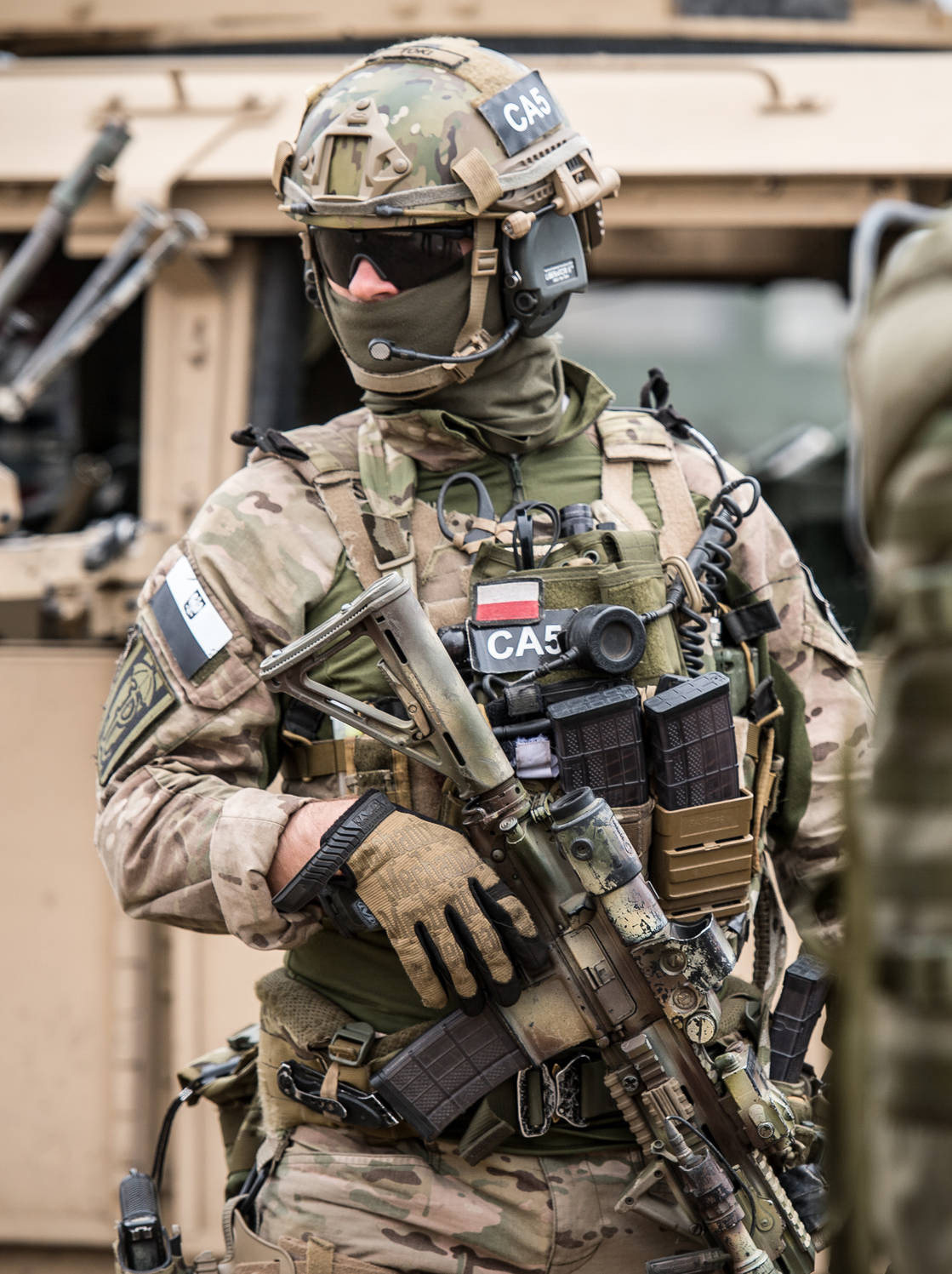 Ukrainian Spetnaz's Weapons and Gear May Show an American