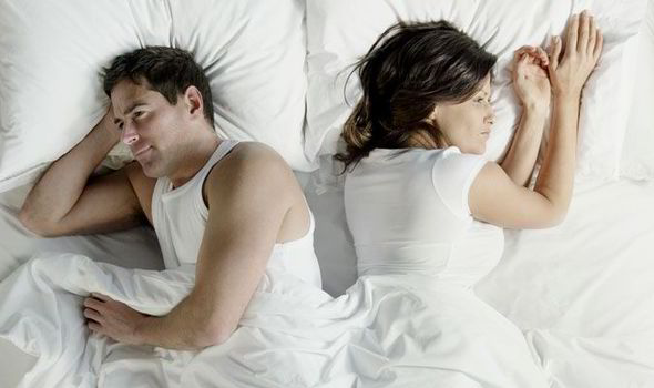 Bed having in sex woman