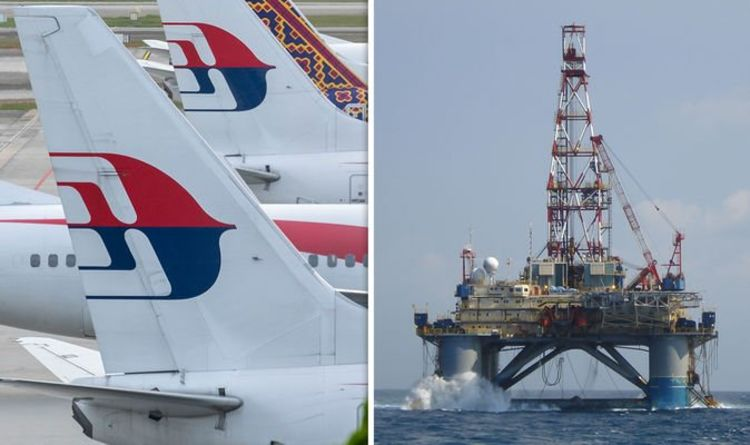MH370 BOMBSHELL: How oil rig worker claimed he 'SAW burning plane in