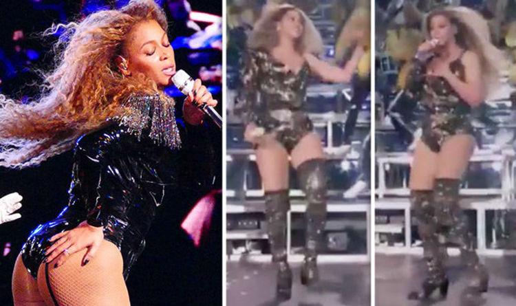 Beyonce Coachella 2018 Star Suffers Wardrobe Malfunction Amid