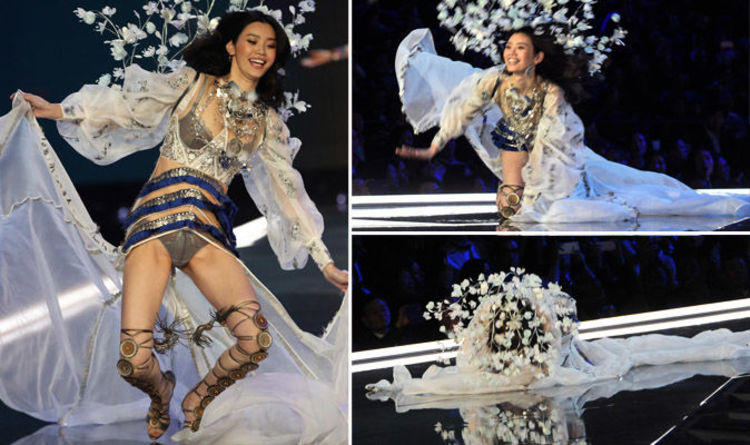 62570eacb3e53 Victoria s Secret Fashion Show 2017 VIDEO  Model mortified as she FALLS on  catwalk