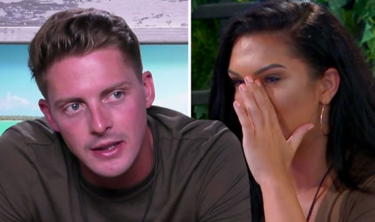 280825870a6059 Love Island 2018  Alex George causes viewer OUTRAGE after Alexandra Cane  heartbreak