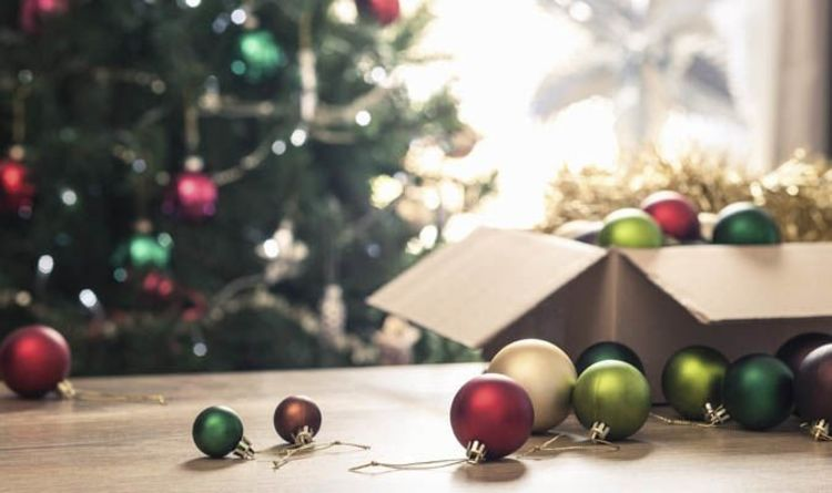 When do Christmas decorations come down? When is Twelfth Night and Epiphany? - When Do Christmas Decorations Come Down? When Is Twelfth Night And