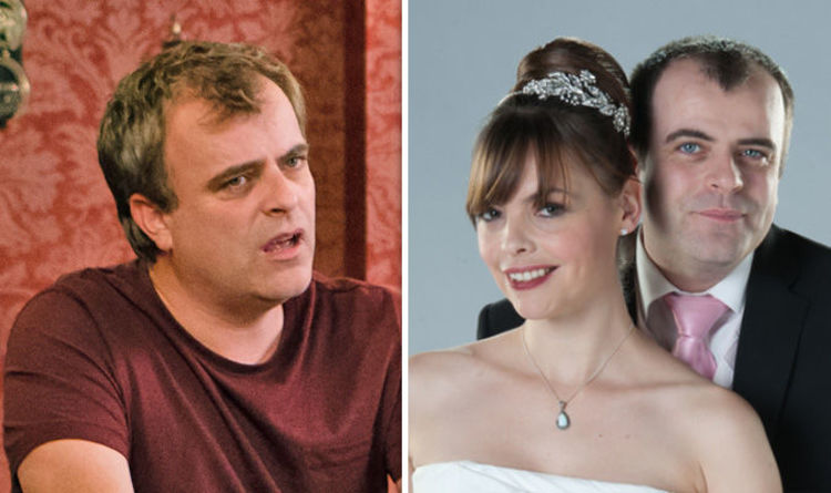 Coronation Street Spoilers Steve Mcdonald Caught Cheating With Abi Franklin Tv Radio Showbiz Express Co Uk