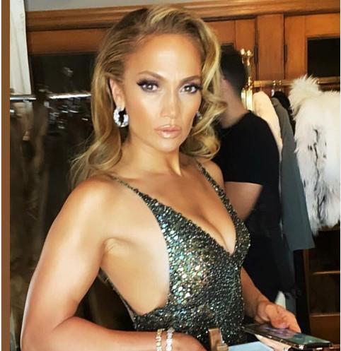 Señor Multiplícala Las Fotazas Que Lanzó Jennifer Lopez En Plena Cuarentena Lapatilla Com