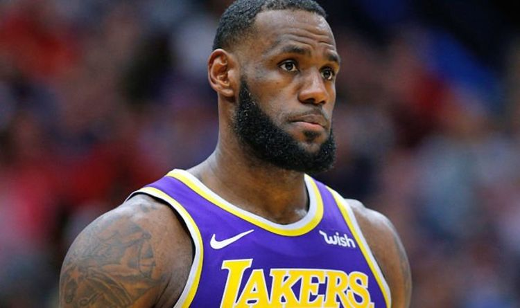 c51aa4cc3f4a LeBron James DOESN T CARE about Lakers - NBA fans react after Grizzlies  defeat