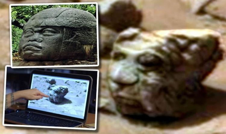 Aliens on mars is nasa photo of alien statue proof of ufos on red