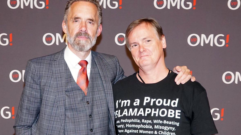 2db0cbc10 Jordan Peterson: anti-PC scholar dropped by Cambridge over Islamophobia  shirt