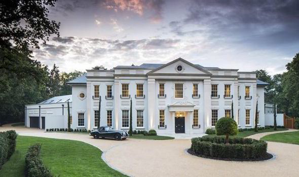 Awesome This Stunning Mansion Could Be Yours For A Cool £17.5million [CASCADE]