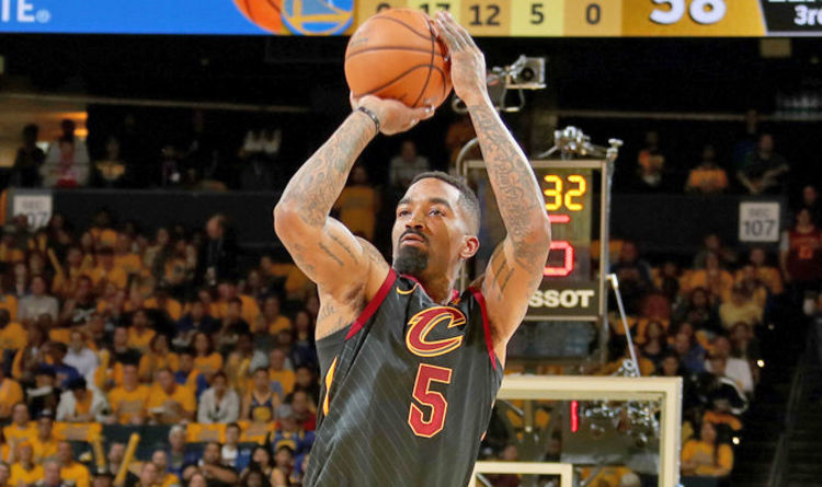 1cccd277a104 JR Smith controversy  What happened in NBA Finals  How did LeBron James  react  WATCH