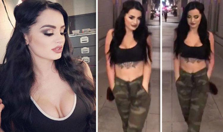 Paige sexy wwe