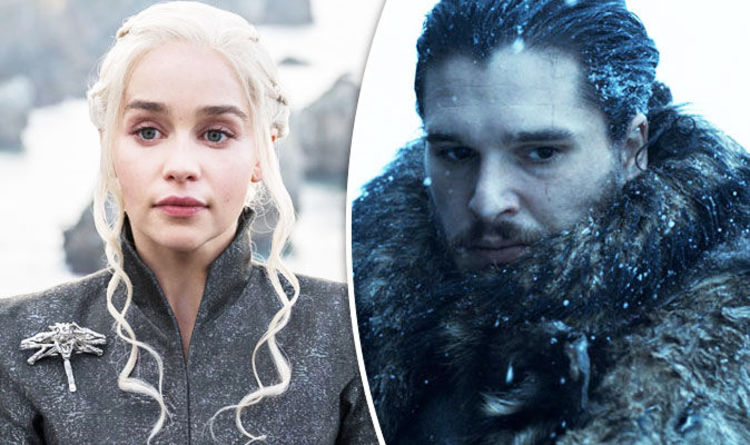 Game Of Thrones Season 7 Emilia Clarke Admits She Gagged Over Kit