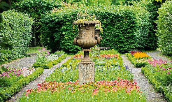 Incroyable Alan Titchmarsh, Tips, Grow, Topiary, Garden