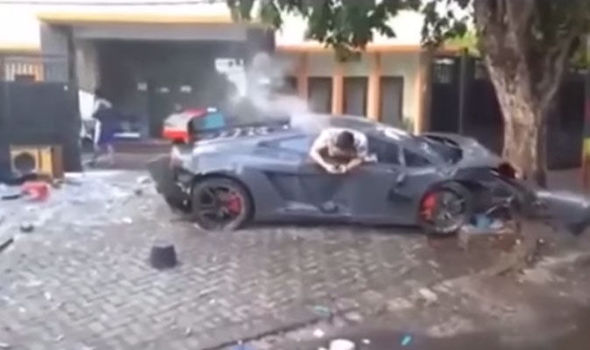 Driver Who Crashed Lamborghini Caught Texting Just Moments After He