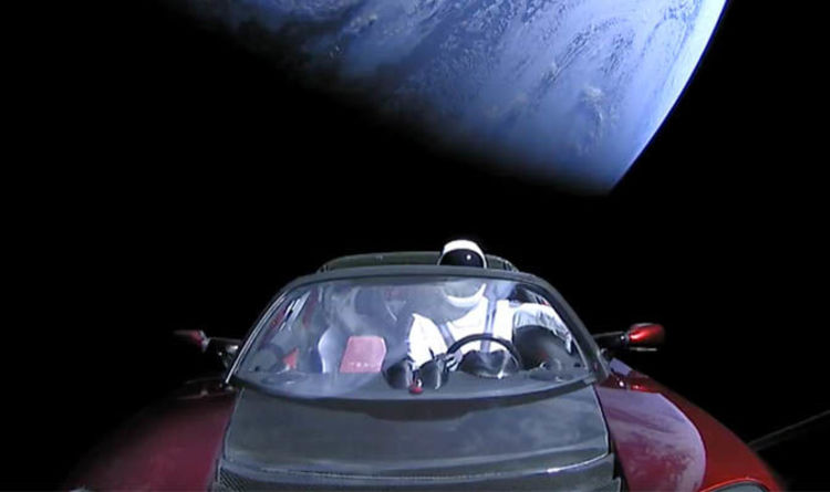 Ex Launch Watch Incredible Moment Falcon Heavy Sends Tesla Roadster Car Into E