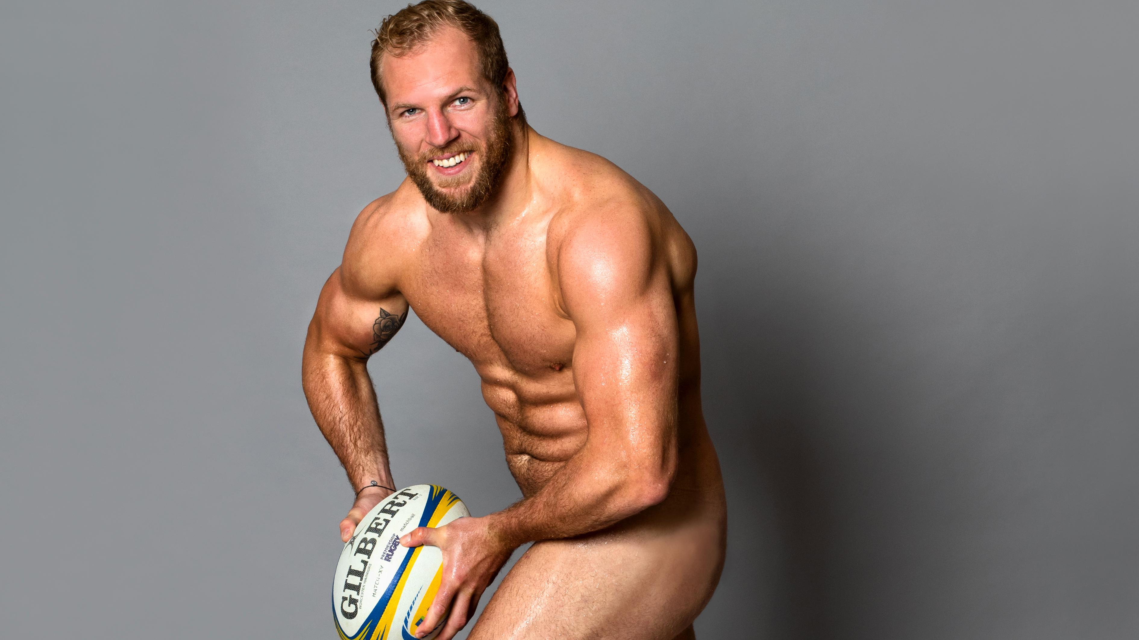 Rugby men nail in the lockerroom