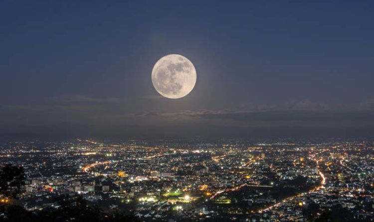 full moon tonight why is the moon so big tonight when is the next