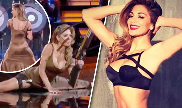 Nicole Scherzinger Does The Splits On I Can Do That