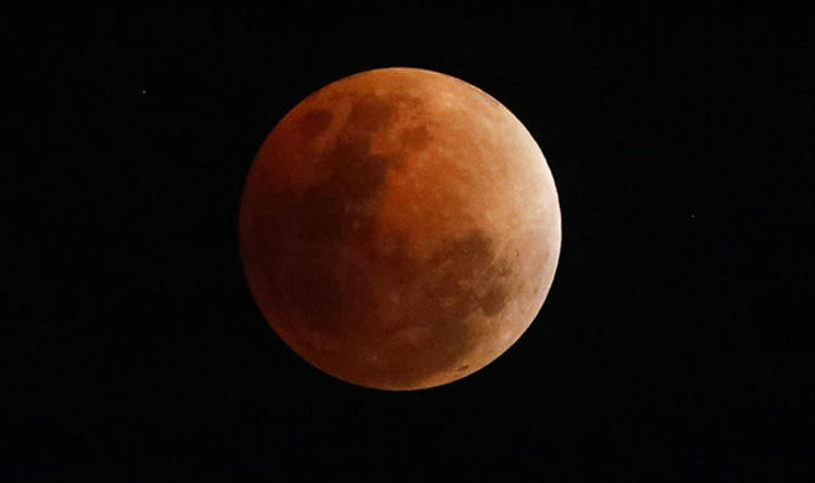 at what time is the lunar eclipse today