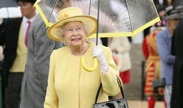 The Queen favourite to wear yellow at Royal Ascot Ladies  Day ... 68fbd11ac3f