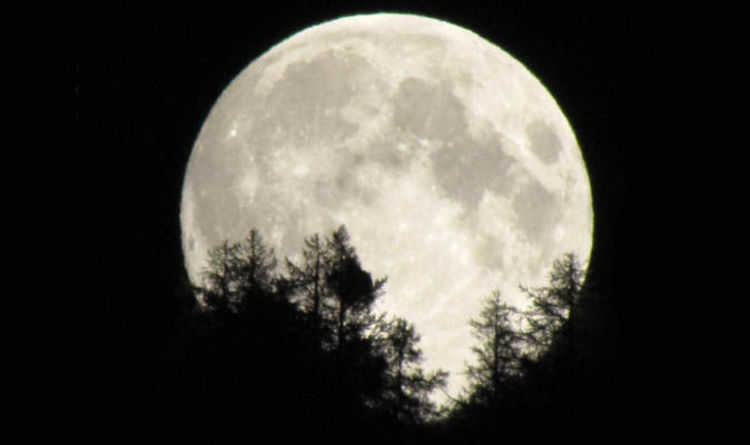 Full Moon 2018 When Is Next Full Moon When Is October Hunters