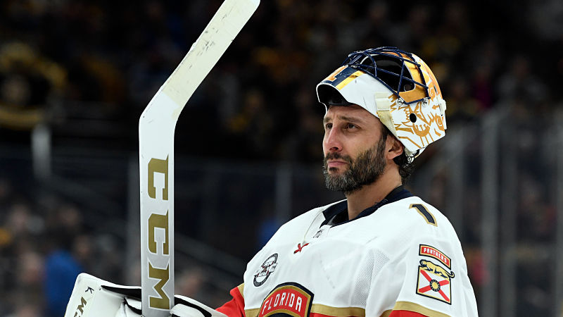 Roberto Luongo Announces Retirement With Hilariously On Brand Tweet