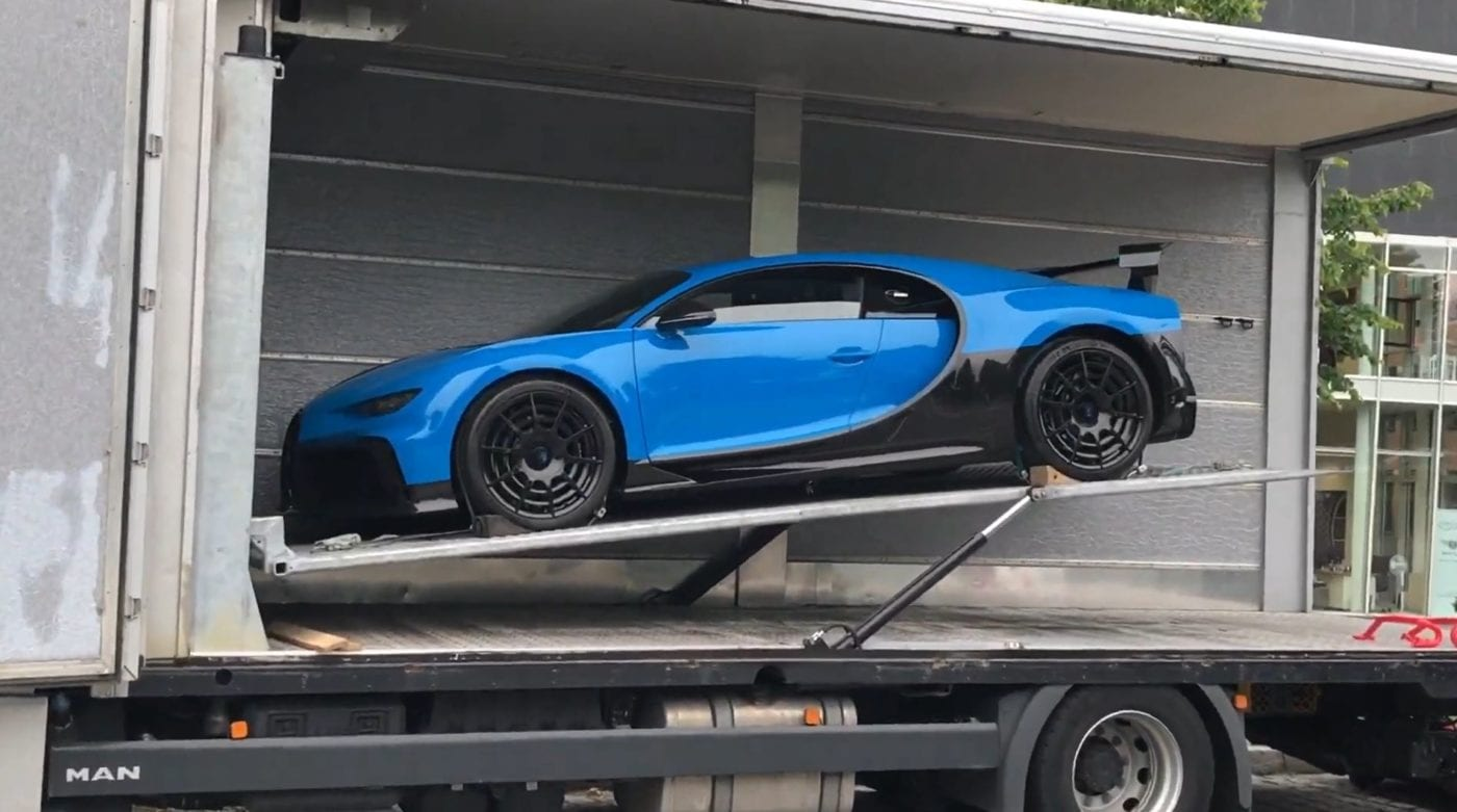 How To Load The Bugatti Chiron Pur Sport Into A Trailer