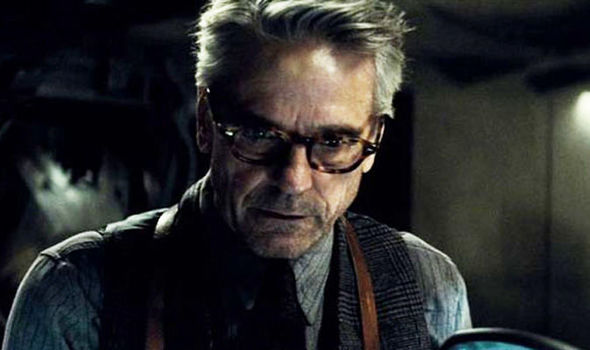 Jeremy Irons Says Batman V Superman Deserved Kicking From The