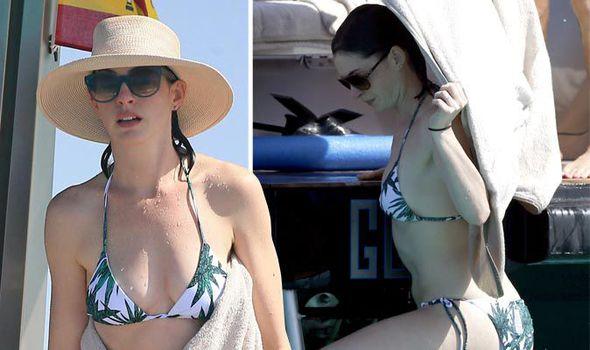Bikini Anne hathaway