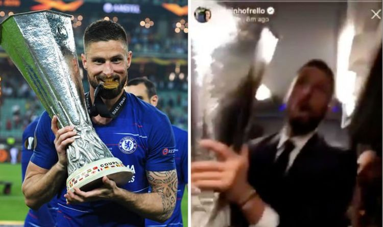 1cee4a6f5 Arsenal fans will HATE what Olivier Giroud did on Chelsea coach after  Europa League win