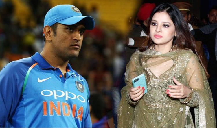 MS Dhoni wife: Meet stunning Sakshi - from intern to