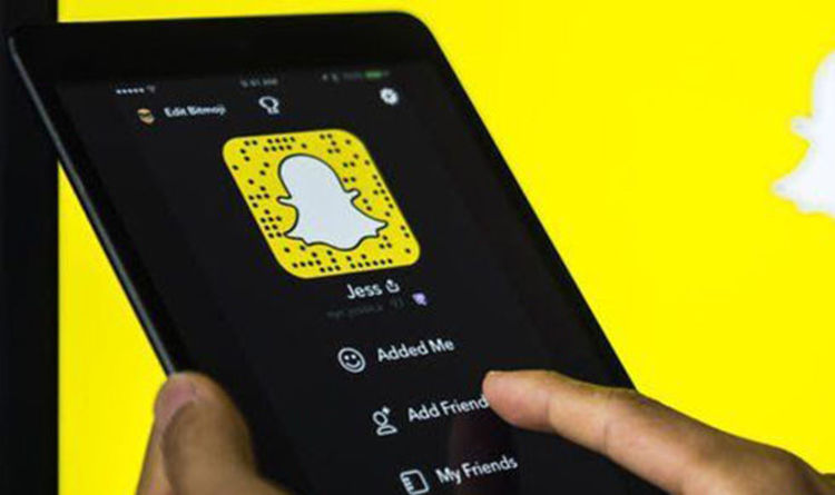Snapchat Down Messaging Service Not Working As Fans Report App Keeps Crashing Express Co Uk