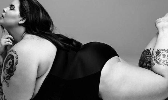de2aa8859cc Tess Holliday flaunts her curves in sexy swimwear
