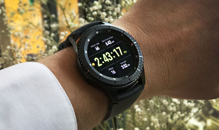 new styles 373af a3573 Samsung Gear S3 Frontier review: A superb smartwatch with a BIG ...