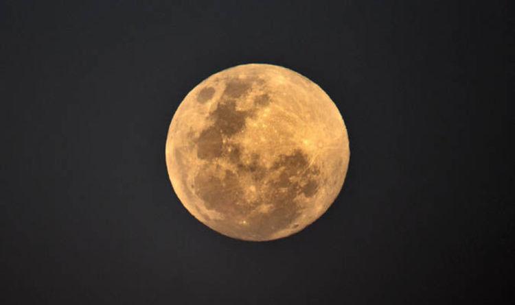 Eclipse LIVE  Blood Moon latest updates f70a3f836