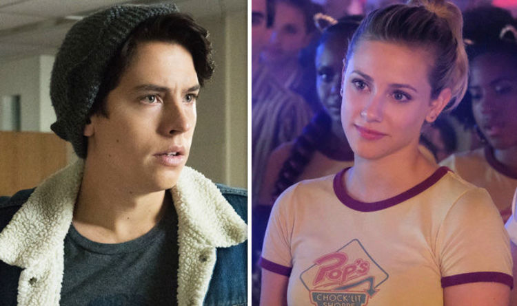 Is jughead jones and betty dating in real life