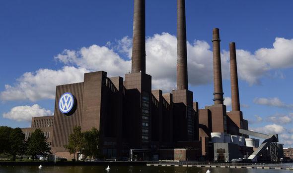 volkswagen headquarters raided by german authorities over diesel