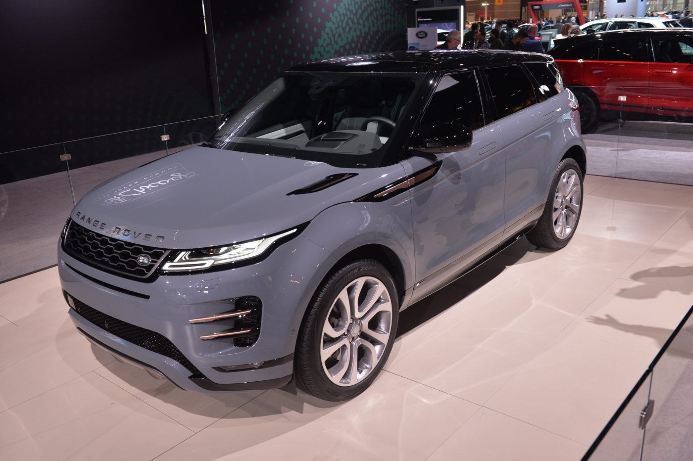 Land Rover Chicago >> 2020 Range Rover Evoque Debuts In Chicago