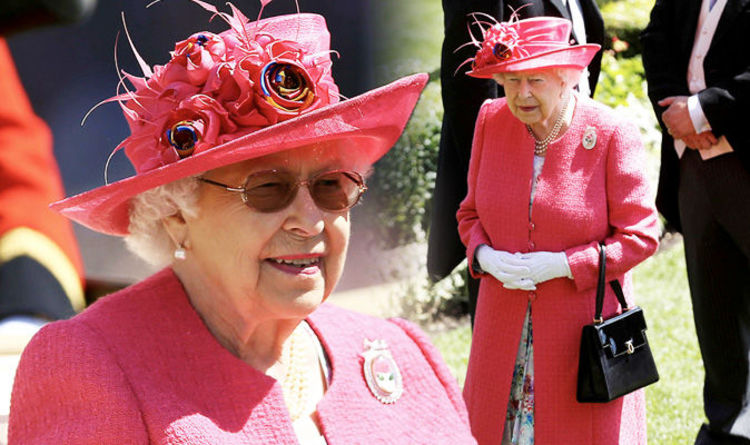 Queen At Royal Ascot 2018 Ladies Day In Pink Wearing Brooch With A Touching History