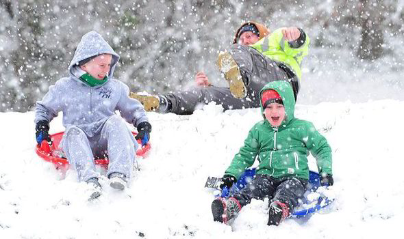 Snow warning: Winter 2013 will see a White Christmas across UK says ...