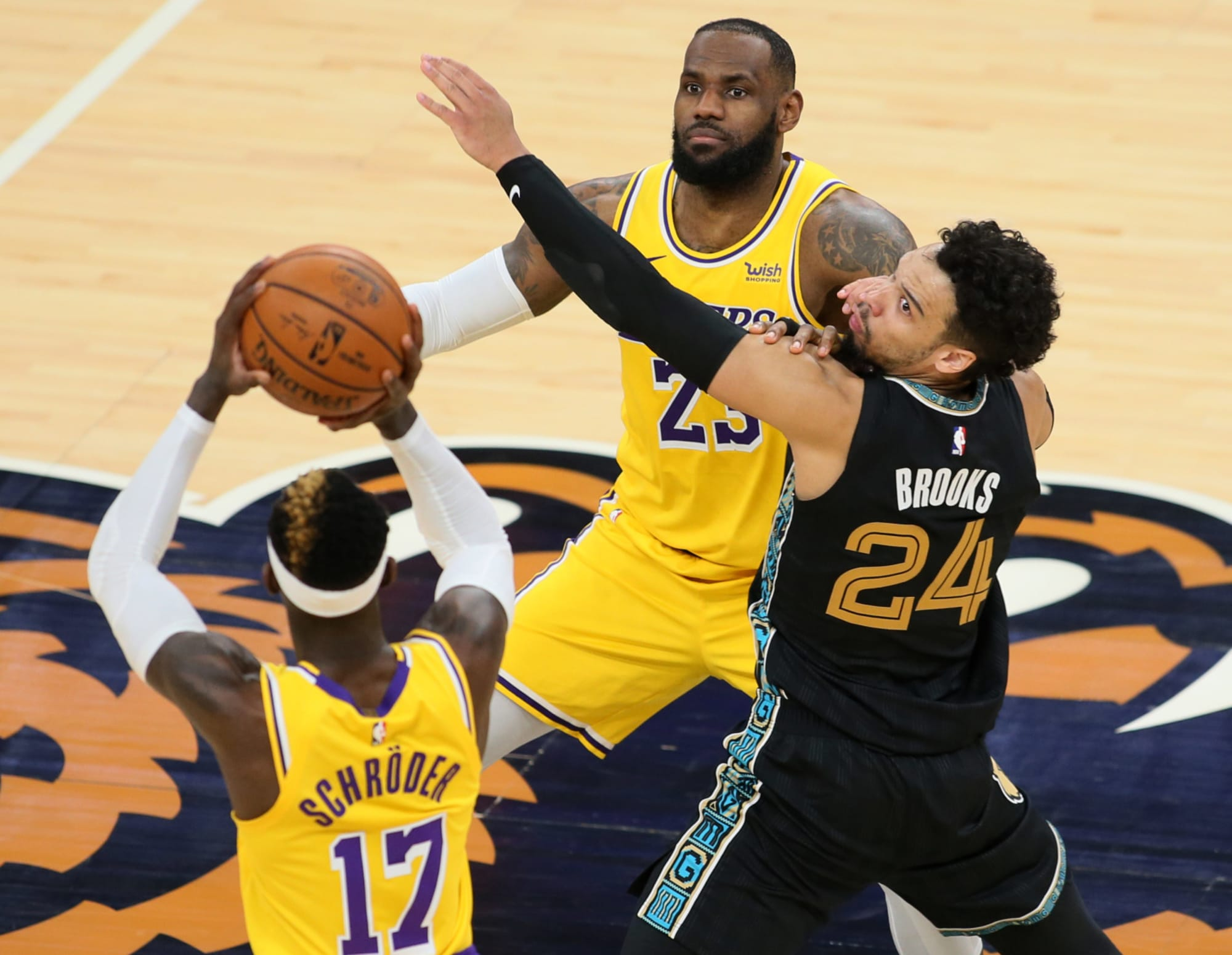 Los Angeles Lakers Win The Second Of Two Straight Vs Grizzlies