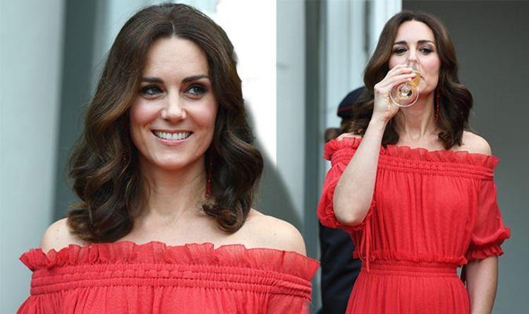 bf401f38c58b Kate Middleton oozes elegance as she re-wears £2