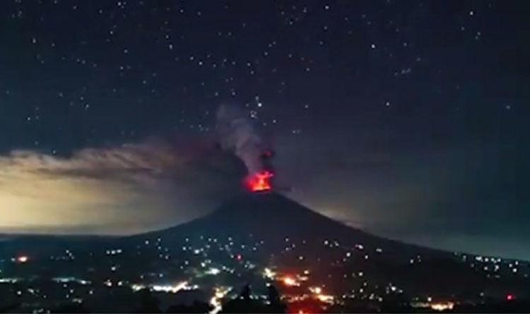 Bali Volcano Webcam >> Bali Volcano Watch Live Mount Agung Eruption Strengthens Webcam